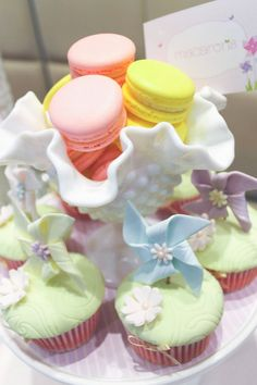 party cupcakes | ... themed 1st birthday party christening idea cake cupcakes supplies
