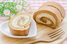 Tiramisus piskótatekercs - Recept   Femina Tiramisu, Food And Drink, Bread, Cake, Ethnic Recipes, Brot, Kuchen, Baking, Breads
