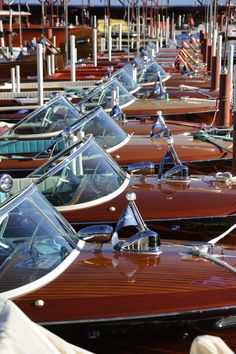 Motor Boats Project 33 Ideas For 2019 Riva Boat, Yacht Boat, Cool Boats, Small Boats, Wooden Speed Boats, Chris Craft Boats, Classic Wooden Boats, Wooden Boat Building, Boat Projects