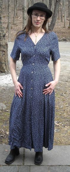"""Lovely Floral Navy Dress 100% Rayon Made in USA Fits to 38""""Bust Sz 8 Ships Free #Unspecified #ButtonFront"""