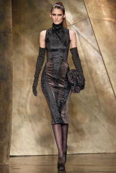 Donna Karan Fall 2013 Ready-to-wear. New York Fashion Week. Fashion Moda, Runway Fashion, High Fashion, Fashion Show, Womens Fashion, Fashion Design, Bold Fashion, Uk Fashion, Donna Karan