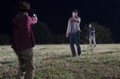 Carl Grimes (Chandler Riggs), Rick Grimes (Andrew Lincoln) and Shane Walsh (Jon Bernthal) - The Walking Dead - Season 2, Episode 12 - Photo Credit: Gene Page/AMC