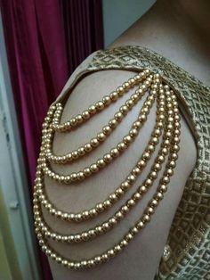 Stylish Blouse Design, Fancy Blouse Designs, Skirt Fashion, Fashion Art, Fashion Dresses, Bengali Bride, Dress Indian Style, Cotton Tunics, Diy Dress