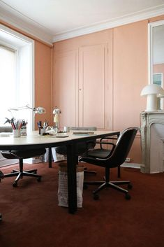 The Offices of The Socialite Family Study Office, The Office, Murs Roses, Socialite Family, Design Blog, Blog Deco, Table, House, Furniture