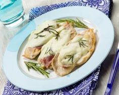 Turkey cutlets with Cancoillote and Rosemary Croq'Kilos: www.fourchette-and . Weigth Watchers, Light Diet, Light Recipes, Vegetable Recipes, Clean Eating, Food And Drink, Healthy Recipes, Meals, Dishes