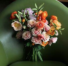Honey of a Thousand Flowers: #bouquet #spring: http://www.sarahwinward.com/