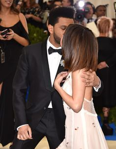 Selena Gomez and her Canadian boyfriend Abel Makkonen Tesfaye a.a The Weeknd made their red carpet debut at Met Gala 2017 and the two got an adorable nickname from their fans. Selena And Abel, Selena Gomez The Weeknd, Selena Gomez Daily, Selena Gomez Photos, Selena Gomez Style, Selena And The Weekend, Met Gala Red Carpet, Marie Gomez, Pretty Hairstyles