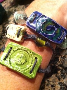 gRoOvY Bracelets…clay, cord and beads (Teaching for Artistic Behavior) - Education Clay Projects For Kids, Kids Clay, Sisters Art, Soul Sisters, Art Crea, Ceramics Projects, Sculpture Projects, Slab Pottery, Ceramic Clay