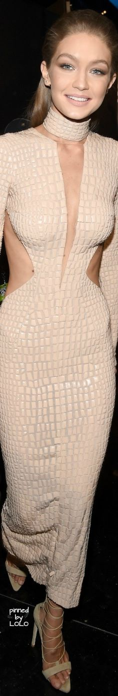 Gigi Hadid 2016 American Music Awards | LOLO❤︎