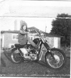 Greg's customized '67 Triumph Bonny....I learnt how to ride on that baby.....15 yrs old here...