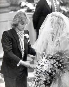 Resultado de imagen para rare and unseen photos of princess diana