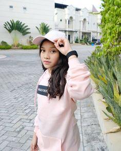Casual Hijab Outfit, Ulzzang, Outfits, Medan, Instagram, Wallpaper, Flamingo, Lisa, Kpop
