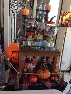 Chocolate Gables Quilt Halloween Display