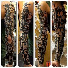 110 отметок «Нравится», 4 комментариев — Davide Franceschini (@timecore) в Instagram: «finished !  #cyberpunktattoo #cyberpunk #tattoo #timecore»