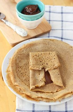 Easy Gluten-free, dairy free crepes using buckwheat. Full of wholesome ingredients and perfect for your favorite crepe fillings. Gluten Free Baking, Gluten Free Recipes, My Recipes, Favorite Recipes, Vegan Recipes, Breakfast Snacks, Breakfast Recipes, Dessert Recipes, Patisserie Sans Gluten