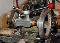 Ball turner assembly with hand wheel. This fits the quick change tool post (QCTP).