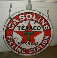 Old Texaco Gasoline Motors Oils Filling Station Sign w/ Ring Early Original Vintage Advertising Signs, Vintage Advertisements, Vintage Signs, American Logo, Old Gas Stations, Filling Station, Porcelain Signs, Texaco, Gas Pumps