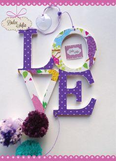Cartel Love con pompones. https://www.facebook.com/dulce.soffia