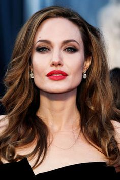 The 10 best celebrity lips: Angelina Jolie. Click through to see which other leading ladies made the list.