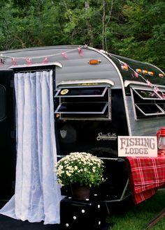 MaryJanesFarm - Ranch Farmgirl blog >> Getting Our Glamp On. Jennie's 1969 Serro Scotty, the 'Little Black Dress'.