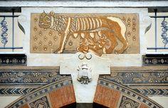 La Lupa, Quartiere Coppedè, Rome.