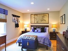 Luxurious purple in the bedroom with Asian theme