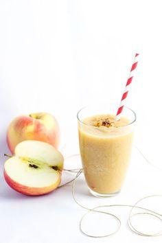 Przepis na Rozgrzewający koktajl jabłkowy #koktajl #smoothies #shake Cantaloupe, Smoothies, Cocktails, Fruit, Smoothie, Craft Cocktails, Cocktail, Smoothie Packs, Fruit Shakes