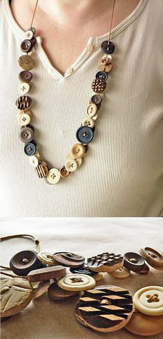 button necklace tutorial--Suzanne, today I was thinking about your idea of button confetti and I told Dad you (or you could ask Aunt Laurie!) could make a necklace out of buttons. Then my cousin pinned this on her wall. It would be a perfect way to keep Tutorial Colar, Necklace Tutorial, Diy Buttons, Vintage Buttons, Vintage Rhinestone, Buttons Ideas, Button Necklace, Diy Necklace, Necklace Ideas
