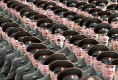 Most Perfectly Timed Photos Ever: soldier yawning perfect timing Time Pictures, Cool Pictures, Cool Photos, Amazing Photos, Crazy Photos, Sports Pictures, Perfect Timed Pictures, Funny Photos, Funny Images