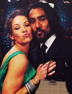 Evangeline Lilly & Naveen Andrews - LOST