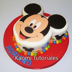 Hola! En este video te enseñamos cómo hacer una torta de Mickey Mouse. Hi! In this video we teach you how to make a Mickey Mouse cake. ...