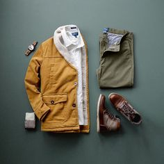 Earth tones for this cold and brisk day ❄️ #mycreativelook ––––––––––––––––––––––– Shirt: @taylrdclothing – Coastal Collection / Venice White Chinos: @taylrdclothing – Olive  Jacket: @ironandresin from @trademenswares Boots: @crevofootwear – Trilby Socks: @deadsoxy – The Boardroom Watch: @jordwatches – Meridian Series / Argent ––––––––––––––––––––––– #getTAYLRD #taylrdclothing #TRADEmenswares #crevofootwear #deadsoxy #sockgame #staysoxy #jordwatch #jordwatches #woodwatch #ironandresin…