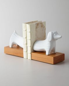 Dachshund bookends? Yes, please!