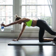 Working Out With Supermodel Karlie Kloss: The Flat Abs GIF - Vogue