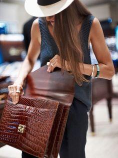 briefcase + panama hat = superb