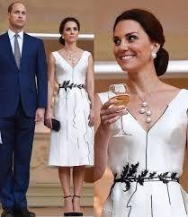 Księżna Kate na bankiecie w kreacji sukni Gosi Baczyńskiej.