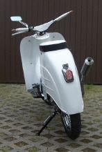 http://www.simsoncustoms.de/mopeds/custom-pepe/index.html