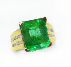 #huge #emerald #green  #jewelry #fashion #love #style #luxury #shopping #outfit #accessories #jewels #facts #diamonds #gems #birthstone #ring #engagement #2017 #vintage #estate #antique #old #new