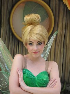 Tinker Bell what big eyes you have. Tinkerbell Makeup, Tinkerbell Fairies, Disney Fairies, Princess Face, Princess Makeup, Disney Fun, Disney Parks, Hermione Cosplay, Tinker Bell Cosplay