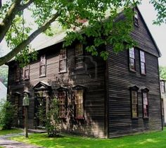 New England Colonial - I love this house. It looks like it's been standing there forever!