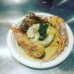 Cucina #fusion: riso con pollo al latte di cocco e limone; #noodles con gamberi; zuppa thailandese; straccetti di vitello con salsa d'ostrica. #vsco#chefsofinstagram  #like4like #TagsForLikes  #liker #likes #l4l #likes4likes  #likeforlike #likesforlikes #liketeam #likeback #likebackteam #instagood #likeall #italianfood #foodstarz #foodstagram#plating#colorful#ChefsOfInstagram#TheArtOfPlating#TrueCooks#GastroArt by alimadium
