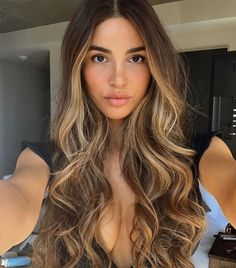 Spring is coming, so we called in a top celebrity hair colorist to tell us the most popular hair colors to try. Get the exclusive scoop here.