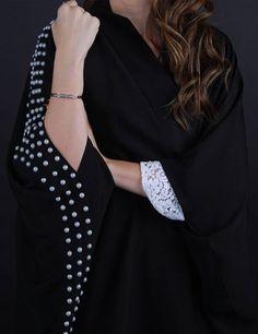 Modern Abaya, Black Abaya, Abaya Dubai, Abaya Designs, Abaya Fashion, Muslim Women, Bell Sleeve Top, Abaya Style, Abayas