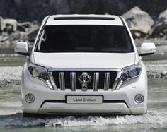 2017 Toyota Land Cruiser will soon be available. Even though Toyota Land Cruiser is an superb vehicle and it has a good fan base, there are unique problems Land Cruiser 2017, New Toyota Land Cruiser, Cruiser Car, Toyota Lc, Toyota Cars, Toyota Hilux, Toyota Trucks, 4x4 Trucks, Cars Motorcycles