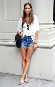STREET STYLE: SUMMER CASUAL | CUT-OFFS + SILVER SANDALS - Le Fashion