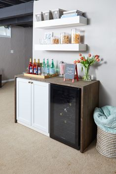 How to Finish Your Basement and Basement Remodeling Finishing your basement can almost double the square foot living space of your home. A finished basement can include new living space such as a r… Basement Makeover, Basement Renovations, Modern Basement, Basement Dry Bar Ideas, Kids Basement, Cozy Basement, Basement Office, Canto Bar, Bandeja Bar