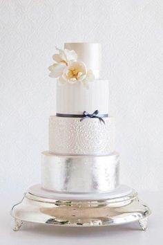 Bolos Metalizados no Blog da Fruit | by Fruit de la Passion #cake #weddingcake #wedding