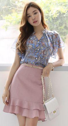 StyleOnme_Ruffle Hem Mini Skirt Source by styleonmekr y faldas Korean Fashion Dress, K Fashion, Fashion Dresses, India Fashion, Street Fashion, Classy Dress, Classy Outfits, Pretty Outfits, Designs For Dresses