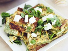 Pancakes, Waffles, Food Court, Feta, Avocado Toast, Vegan Recipes, Vegetarian, Sweets, Breakfast