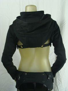 Dystopia Shrug shown with Diode Halter por Crisiswear